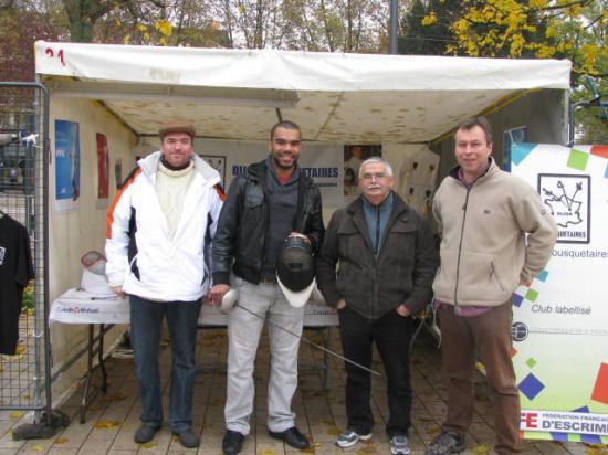 Boladé APITHY (ASPTT) et les dirigeants de Dijon Mousquetaires