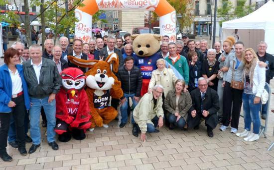 Mascottes, organisateurs et bénévoles